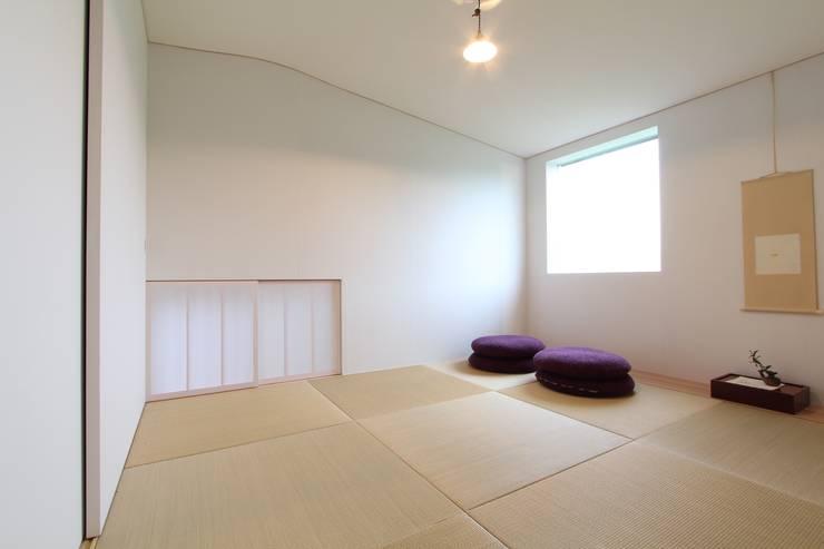 translation missing: id.style.walls-flooring.eklektik Walls & flooring by MimasisDesign [ミメイシスデザイン]