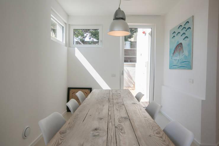 Comedores de estilo mediterraneo por mc2 architettura