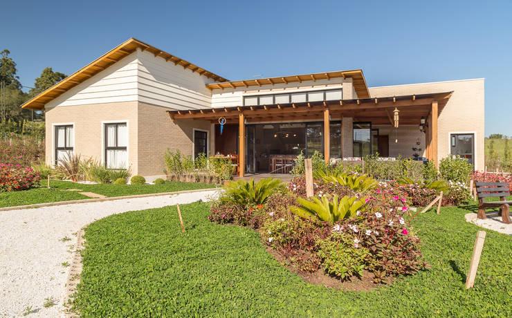 Una bellissima casa di campagna for Piani di casa di campagna francese con veranda