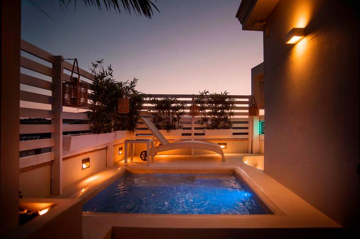 15 piletas hermosas para patios peque itos for Piscinas y terrazas ideales