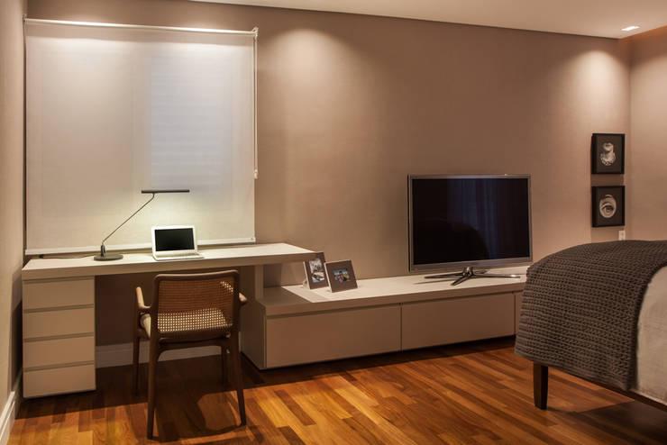 Sala De Tv Com Home Office ~ Misturar o homeoffice e a sala de TV funciona muito bem