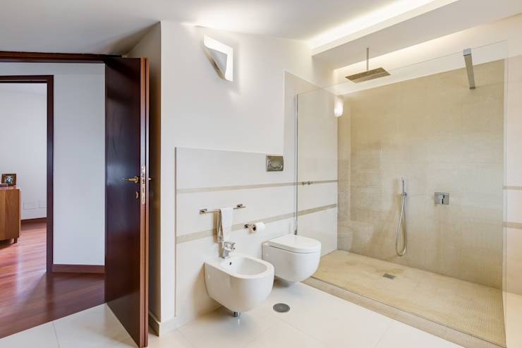 37 foto di bagni italiani moderni con docce magnifiche for Foto bagni minimal