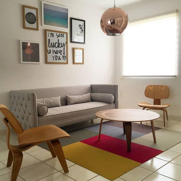 Sala chiquitas y bonitas 15 ideas que te sorprender n for Como decorar una sala larga y angosta