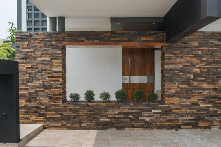 12 muros de pedra natural para vedar com estilo a sua casa - Piedra para muros exteriores ...