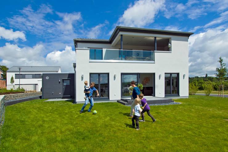 musterhaus in bitburg von streif haus gmbh homify. Black Bedroom Furniture Sets. Home Design Ideas