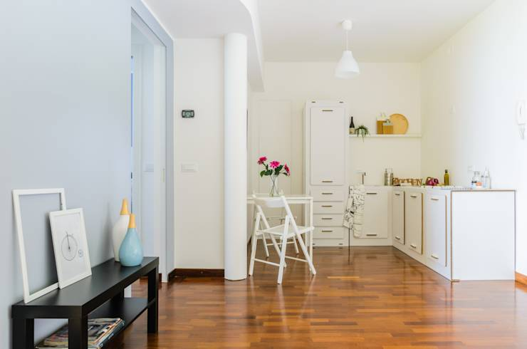 View of the kitchen:  in stile  di Venduta a Prima Vista