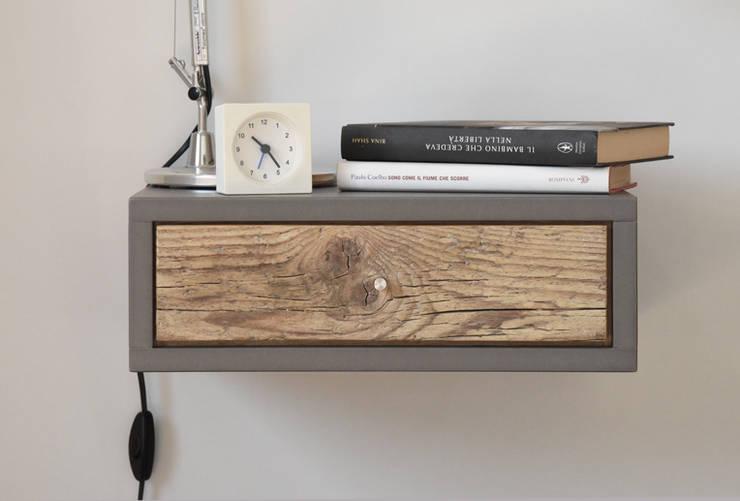 Comodino piccolo a muro con 1 cassetto in legno antico tavolino sospeso in - Tablette de chevet suspendu ...