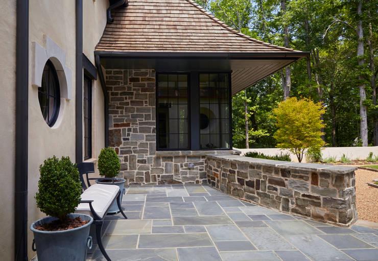 Terrazas de estilo translation missing: mx.style.terrazas.clasico por Christopher Architecture & Interiors