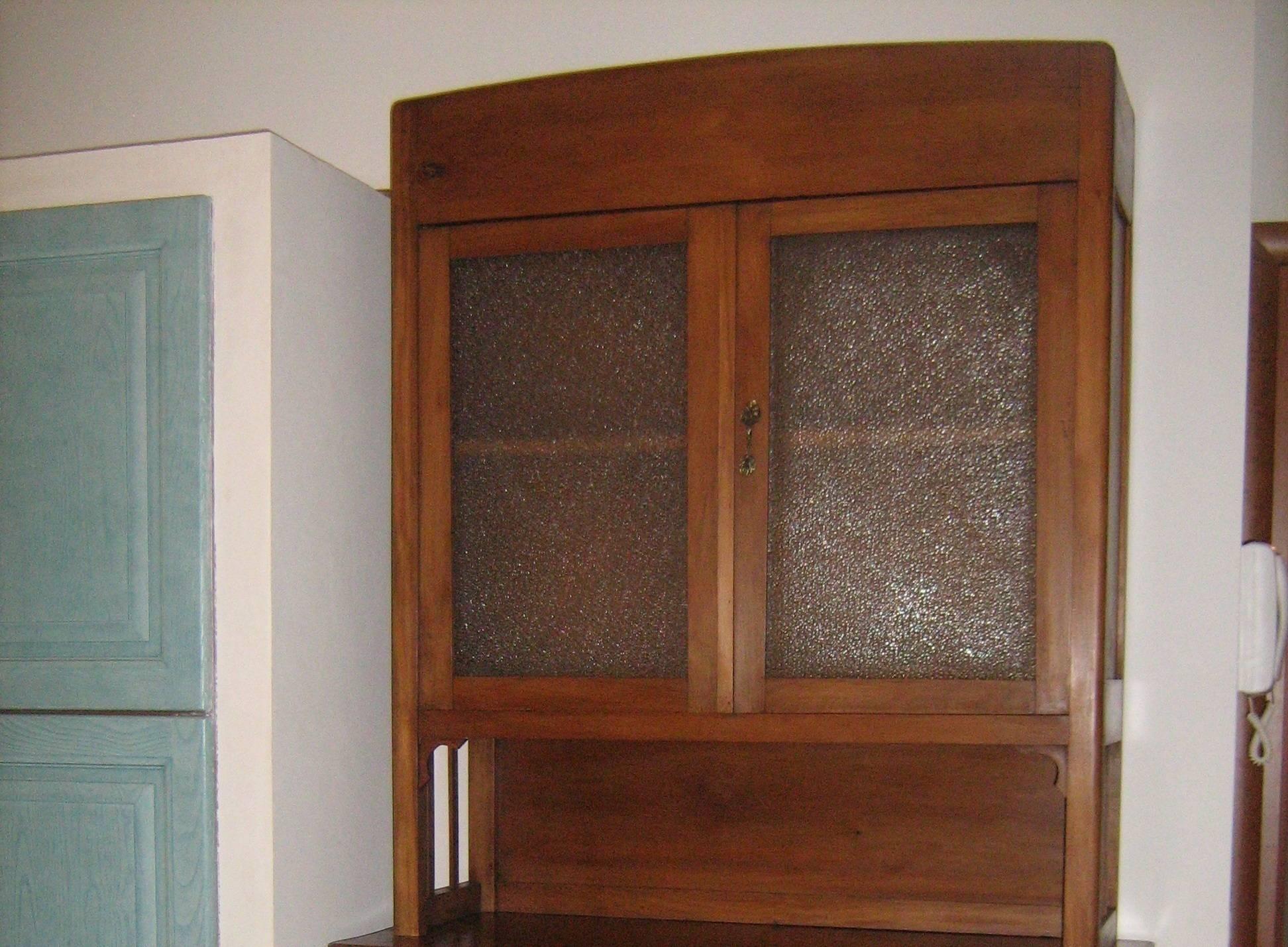 Credenza Con Alzata : Restauro credenza con alzata in vetro di e restyling