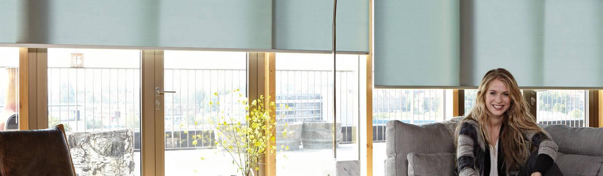 Luxaflex concept store cortinas persianas y estores en las rozas de madrid homify - Persianas las rozas ...