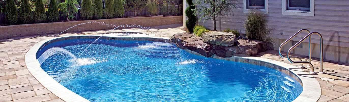 Garoba: Escavação manual de piscinas em Fortaleza