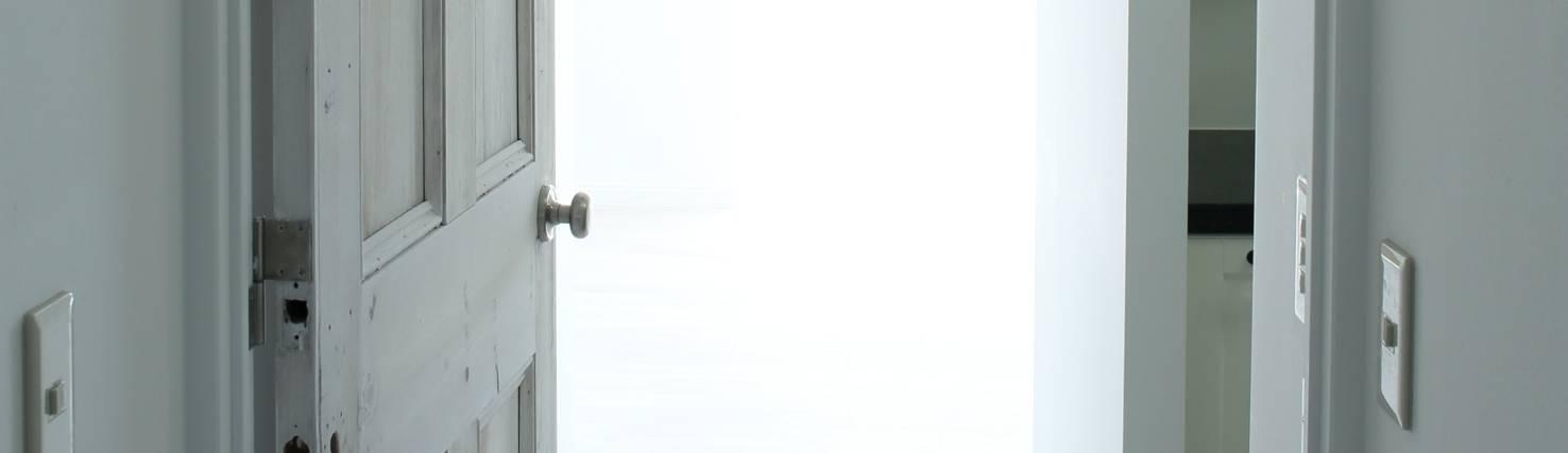 英国ヴィンテージドア専門ショップ「REANT」