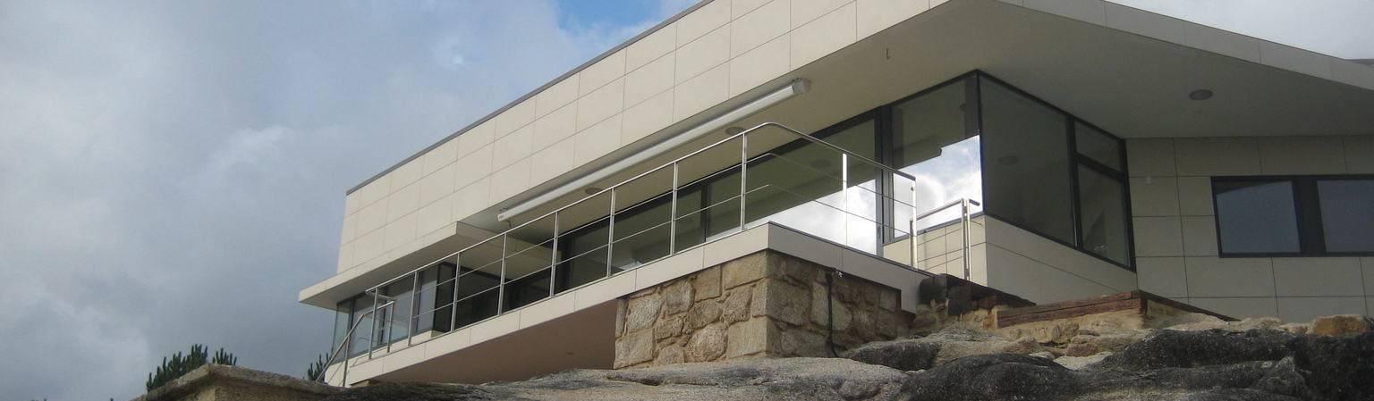 MIGUEL VARELA DE UGARTE, ARQUITECTO