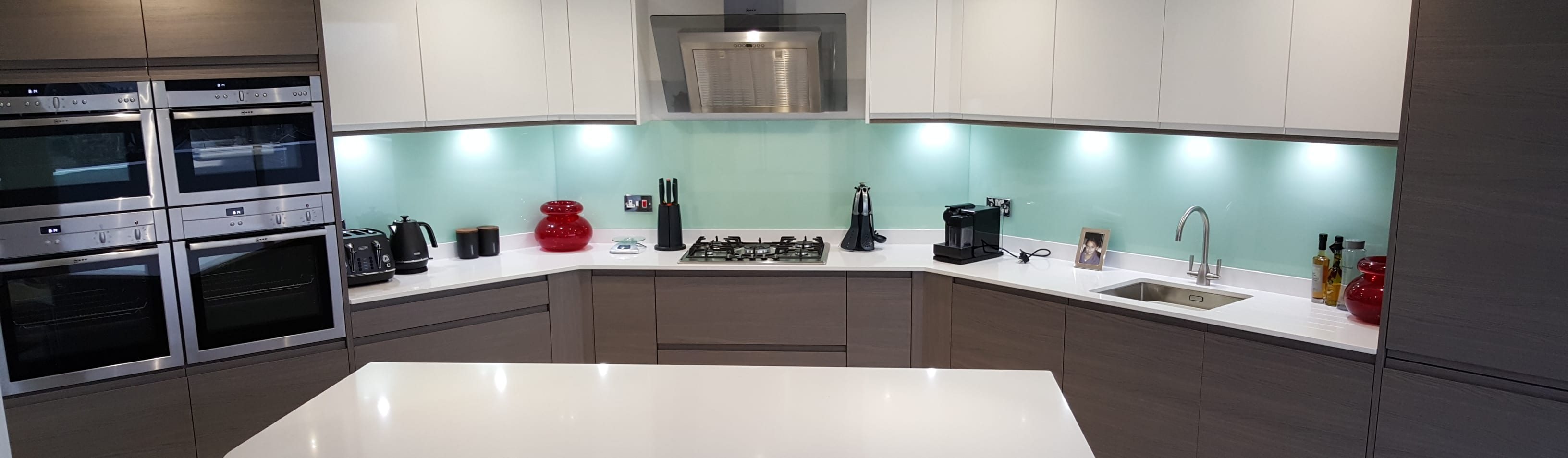 Handleless Modern Welford Bright White and Graphite Kitchen by ...