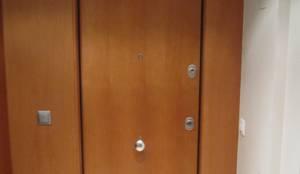 puertas acorazadas con bisagras invisibles