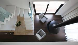 Multilivel House: Casa in stile  di Pierluigi Sammarro Architectural Group