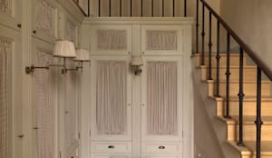 Palazzo nel centro d Pistoia: Spogliatoio in stile  di Antonio Lionetti Home Design