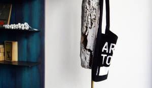 Vestíbulos, pasillos y escaleras de estilo  por Mighali_Faggiano studio