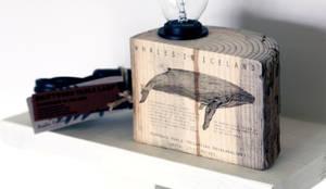 Tischleuchte von Railis Design: rustikale Wohnzimmer von Stilherz