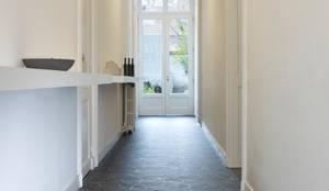 Pareti & Pavimenti in stile in stile Moderno di Avenue Floors