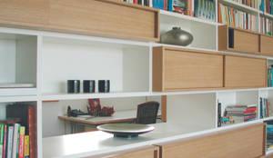 Raumteiler:  Wohnzimmer von Grau Design