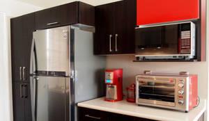modern Kitchen by Amarillo Interiorismo