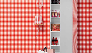 'Welcome' Contemporary hallway shoe storage with mirror by Birex: modern Corridor, hallway & stairs by My Italian Living