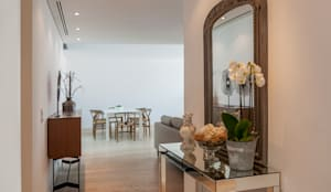 Couloir, entrée, escaliers de style de style Moderne par Home Staging Factory