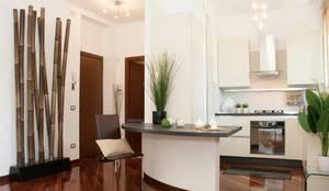 Appartamento Monza centro, 60 mp:  in stile  di DemianStagingDesign