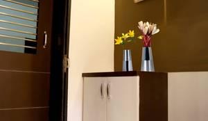 Foyer:  Corridor, hallway & stairs  by ZEAL Arch Designs