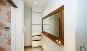 Nitido Interior design: modern tarz Koridor, Hol & Merdivenler