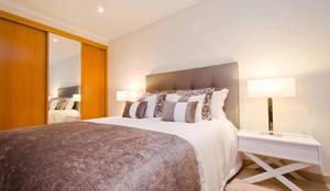 Camera da letto in stile in stile Classico di Simple Taste Interiors