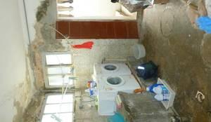 Ristrutturazione di un appartamento sul lungomare di San Vincenzo (LI):  in stile  di mc2 architettura