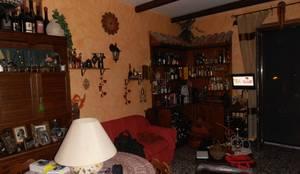 l'interno della sala prima dei lavori:  in stile  di Art interior designer