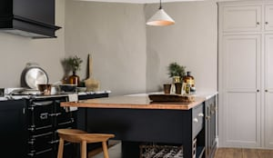 The Mill House Showroom by deVOL: rustic Kitchen by deVOL Kitchens