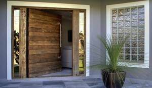 Windows & doors  by Maciel e Maira Arquitetos
