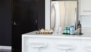 Kitchen & Entry:  Kitchen by Douglas Design Studio,