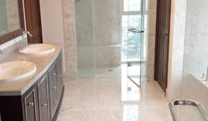 Baños de estilo moderno por Acemar