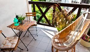 Balkon po homestagingu: styl , w kategorii  zaprojektowany przez Mhomestudio,Nowoczesny