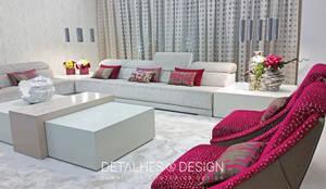 Projeto Design de Interiores - Sala de Estar e Jantar:   por Detalhes & Design