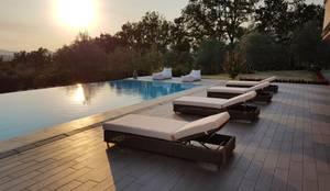 Sdraio giardino Sulawesi e lettino in tessuto per esterni Dream White: Giardino in stile in stile Moderno di Uniko