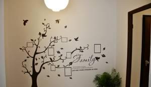 Homestaging Ingresso dopo: Ingresso, Corridoio & Scale in stile  di Antonella Petrangeli