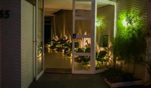 Revitalização Térreo Edifício Residêncial Calândria: Janelas e portas  por Ana Maria Gotardo Arquitetura
