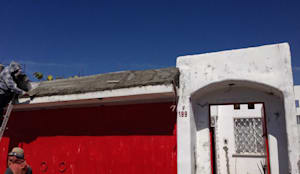 Casa San Lorenzo:  de estilo  por MIDA