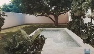 Construcción de piscina:  de estilo  por Heftye Arquitectura