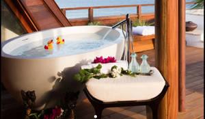 Bañeras de Fabricación Artesanal: Baños de estilo tropical de Ale debali study