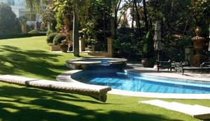 Uso de pasto sintético : Jardín de estilo  por Pasto Sintético Guadalajara