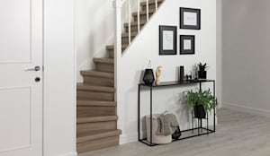 Rivestimento gradini per scale interne MAESTRO STEPS: Pareti & Pavimenti in stile in stile Classico di ONLYWOOD