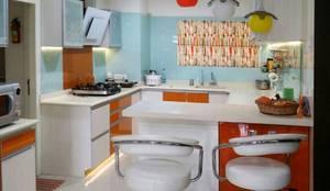 personalised modular kitchen:  Kitchen by Honeybee Interior Designers