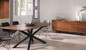 MESA DE JANTAR ESTILO MINIMALISTA : Sala de jantar  por 7eva design  - Arquitectura e Interiores